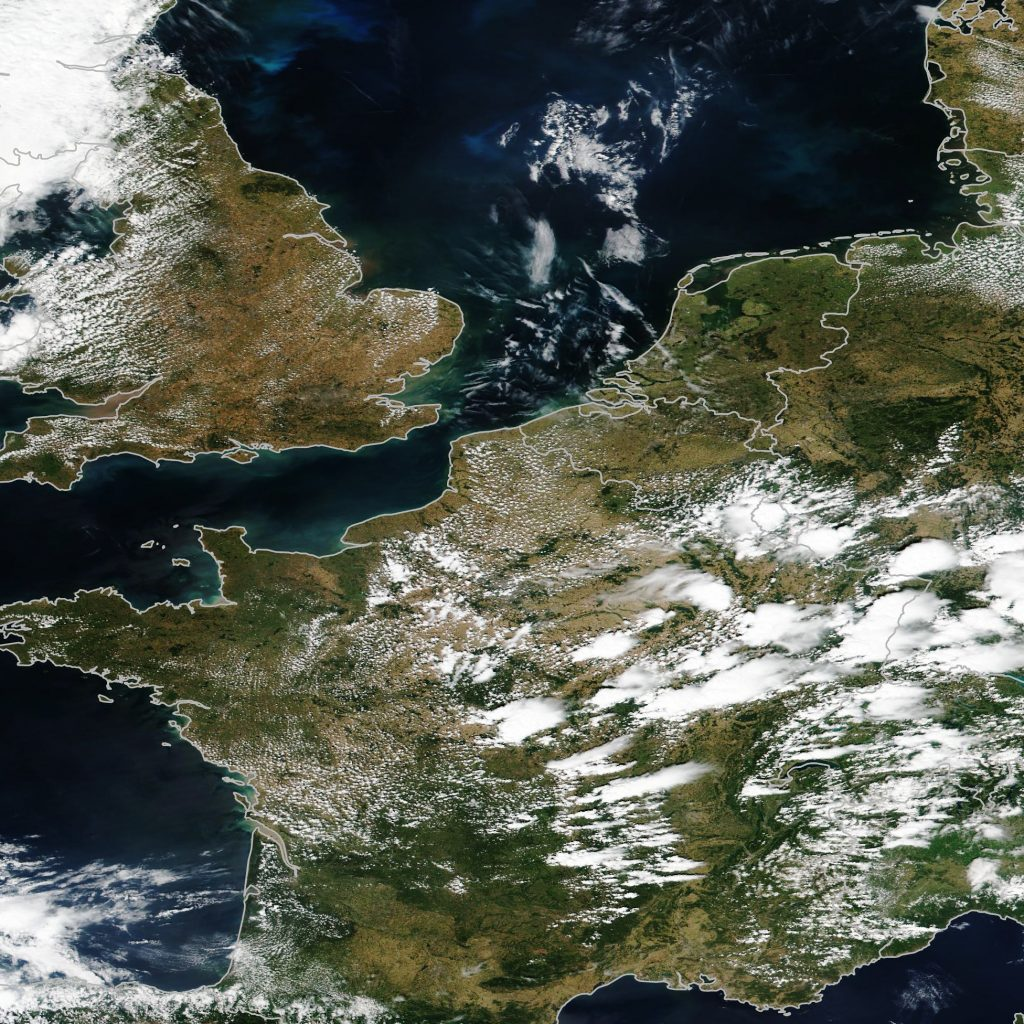UK satellite image during drought in summer2018